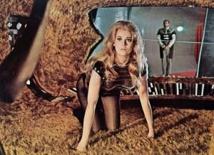 Antes de Jane Fonda, o diretor Roger Vadim tinha feito proposta a Sophia Loren e Brigitte Bardot